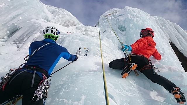 Iceclimbming1
